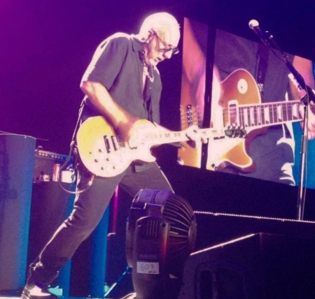 Signature series endorsements pete townshends guitar gear click to view larger version oberhausen germany 10 sept 2016 pete asfbconference2016 Choice Image