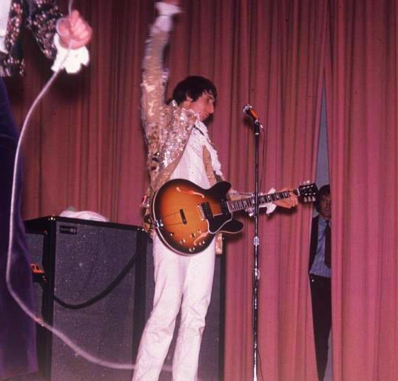 Gibson Es 335 Pete Townshend S Guitar Gear Whotabs