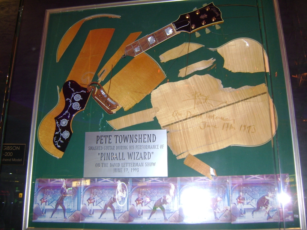 Smashed Guitars Pete Townshend S Guitar Gear Whotabs