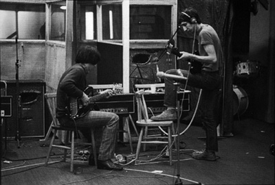 Ca. Spring 1969, recording sessions for Tommy, with both Pete and John using unlabeled customized Sound City L100 amplifier heads, with Hiwatt-style chicken head knobs. Pete's guitar is 1968 Gibson SG Special.