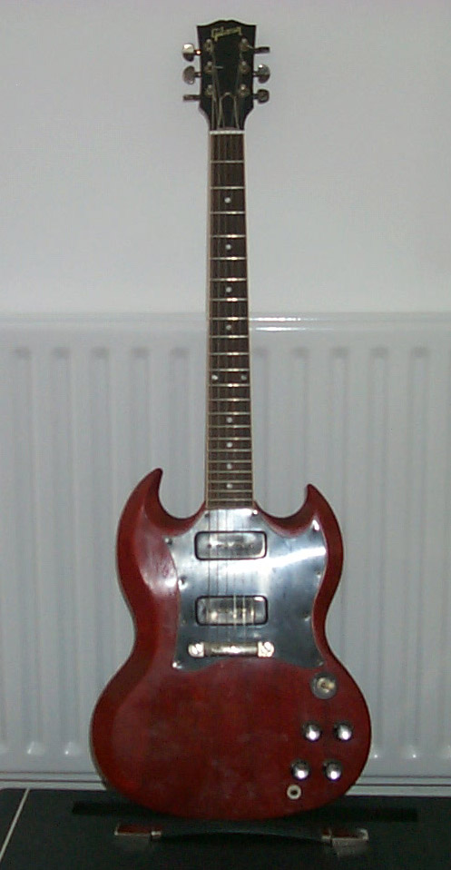 gibson pete townshend signature sg – front, courtesy justin